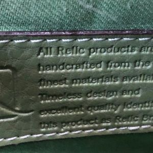 Relic shoulder bag green. Used once.